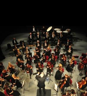 Klaipėdos valstybinio muzikinio teatro orkestro ir orkestro solistų koncertas