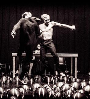 Apeirono teatras: STABAT MATER